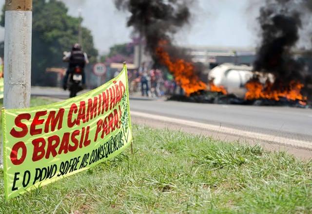 greve dos caminhoneiros faixa - Greve dos caminhoneiros 2019:  vai haver outra paralisação?