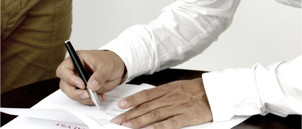 Cuidados ao assinar contratos com empresas de serviços de softwares