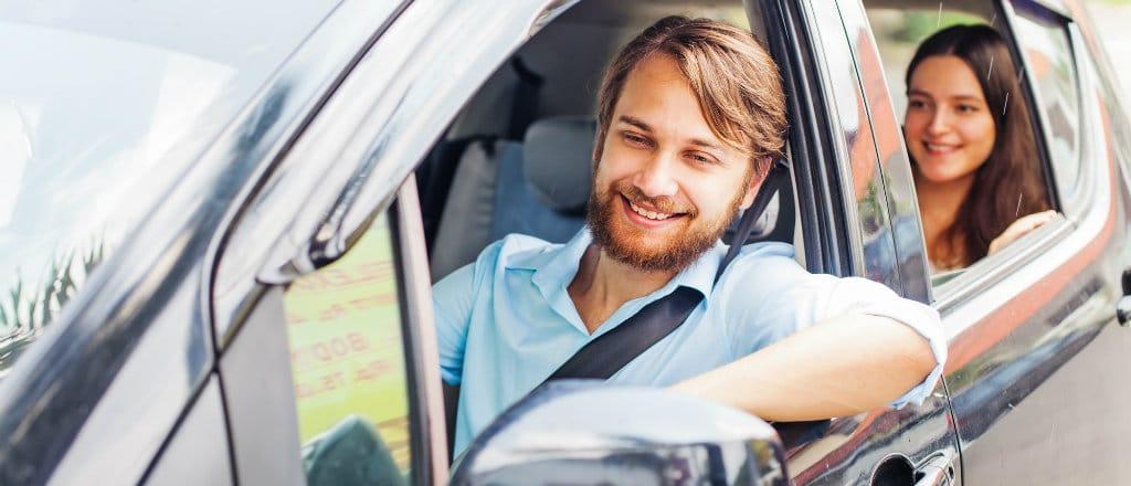 Conheça os principais vícios ao volante e saiba como contorná-los!