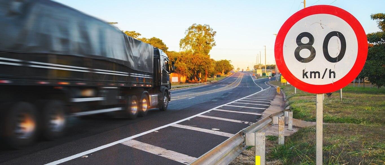 Limites da via evitam multa por excesso de velocidade