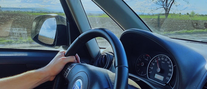 Qual é o melhor rastreador veicular para o seu carro?