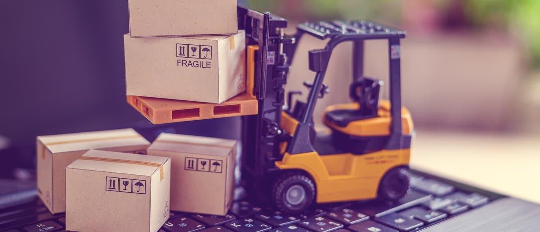 Uma empresa de rastreamento veicular ajuda com a logística