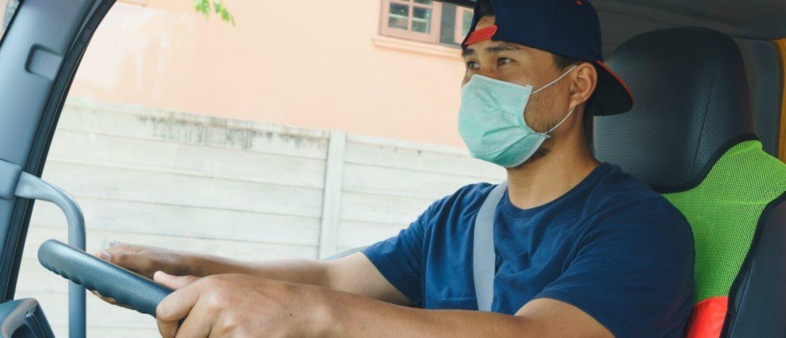 Motoristas se protegem contra o coronavírus