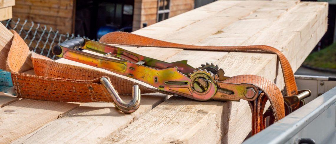 cinta laranja para amarração de carga